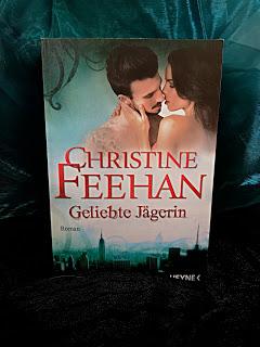 """""""Geliebte Jägerin"""" von Christine Feehan"""